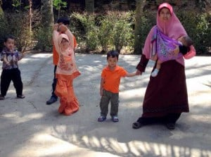 indonesian selendang sling
